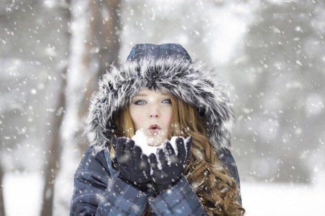 Jak dbać o cerę w miesiącach zimowych?