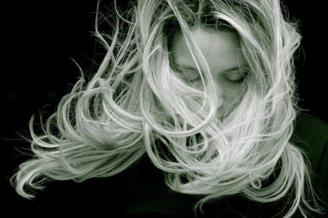 Tlenie włosów domowymi sposobami