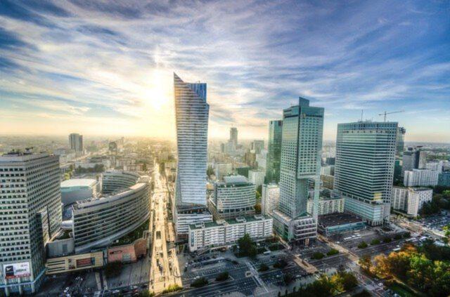 Jak znaleźć hotel idealny na wyjazd do Warszawy?