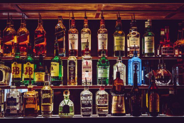 Co jeść przed spożyciem alkoholu?