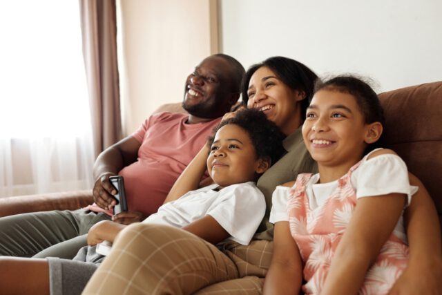 Pora obejrzeć fajne filmy familijne